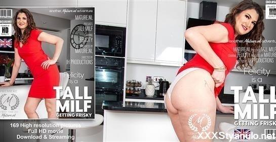 Felicity 34 - Tall Milf Felicity Is Getting Wet In Her Kitchen [FullHD]